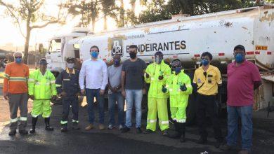 Foto de Vereador Rodson continua acompanhando os trabalhos de desinfecção da cidade para combater o coronavírus